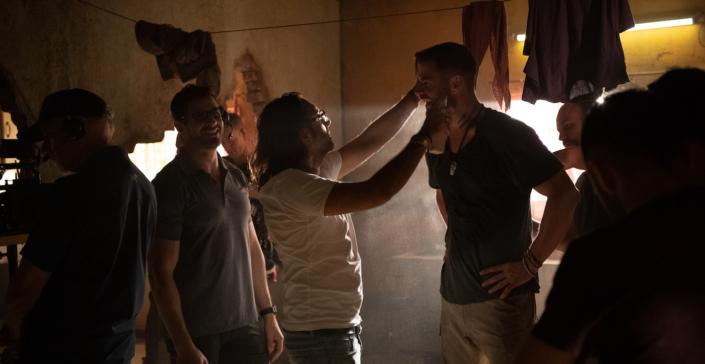 Luca Vannella-Chris Hemsworth-Extraction-Netflix